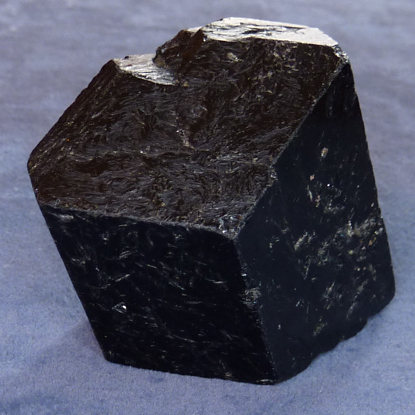 шерл черный турмалин минерал